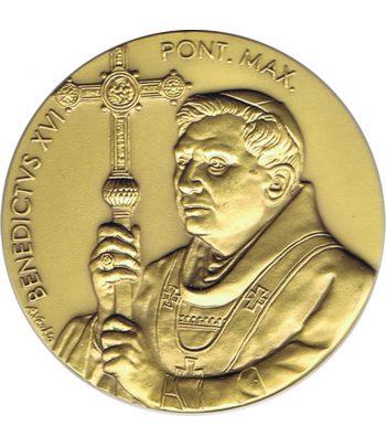 Medalla de Vaticano Benedicto XVI en Africa año 2011 en bronce  - 1
